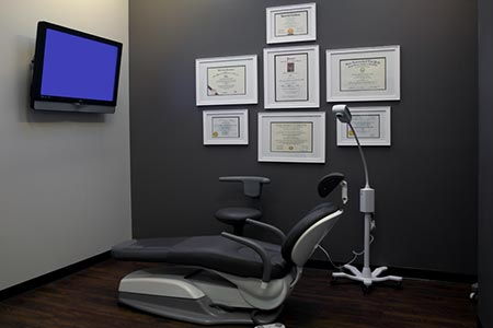 San Francisco Oral Surgery Office Consultation Area